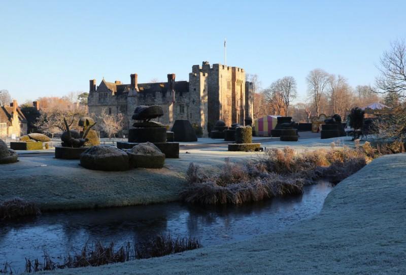 Christmas-castle-frost-1020x692