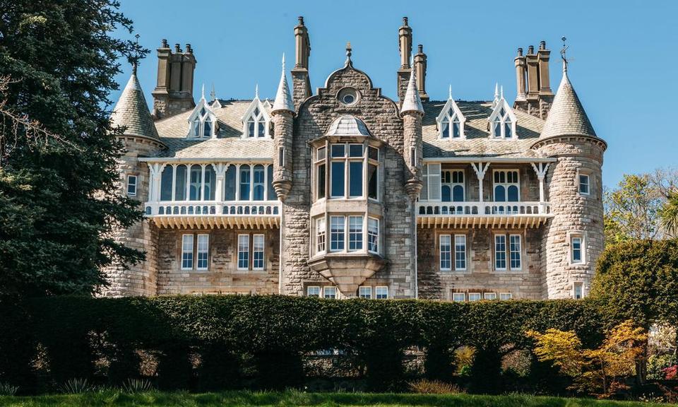 French style castle hotel in North Wales: Chateau Rhianfa